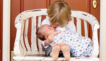 Hogere kans op ernstige griep voor broertjes en zusjes