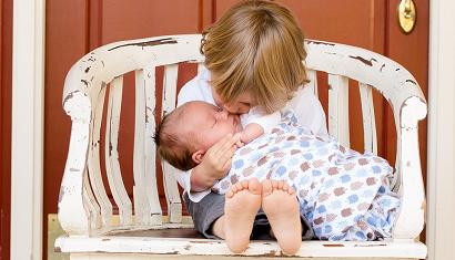 Waarom pasgeboren baby's zo lekker ruiken
