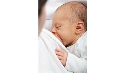 Borstvoeding geven bij jonge moeders met reuma