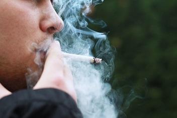 Rookverbod bij ziekenhuis laat op zich wachten